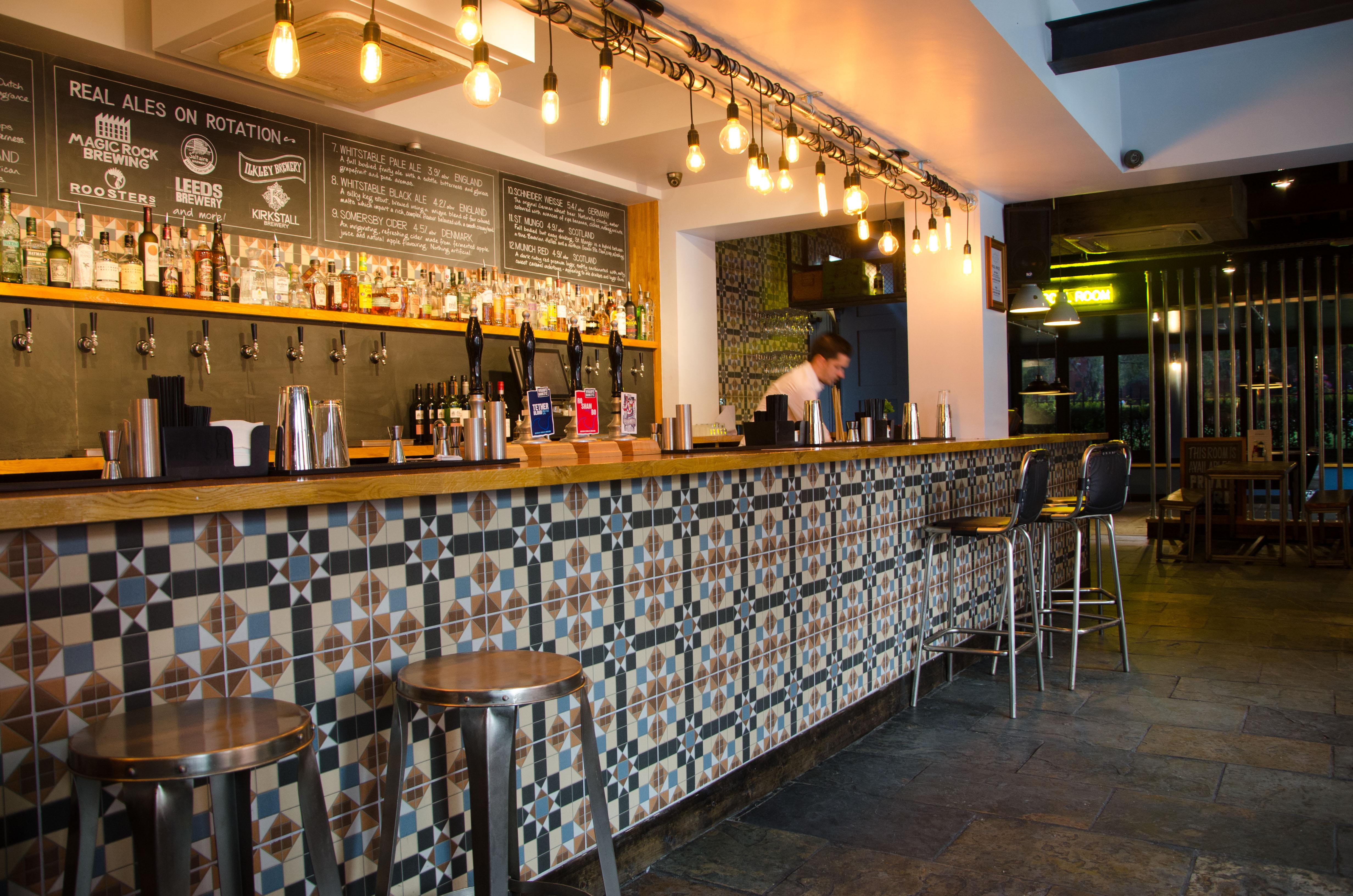 long bar at slate - Slate Restaurant 2015